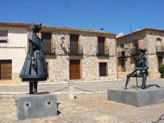 El_Toboso_Monumento_a_D._Chisciotte e Doclinea