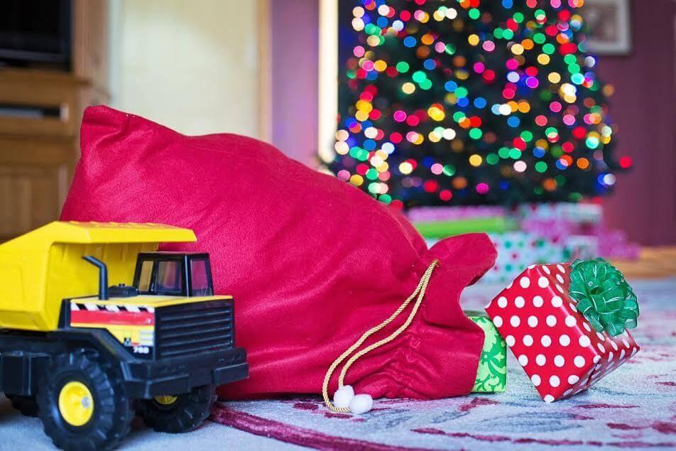 Regali Di Natale Per Bimbi.I Peggiori Regali Di Natale Per Bambini Attenzione A Questa Lista