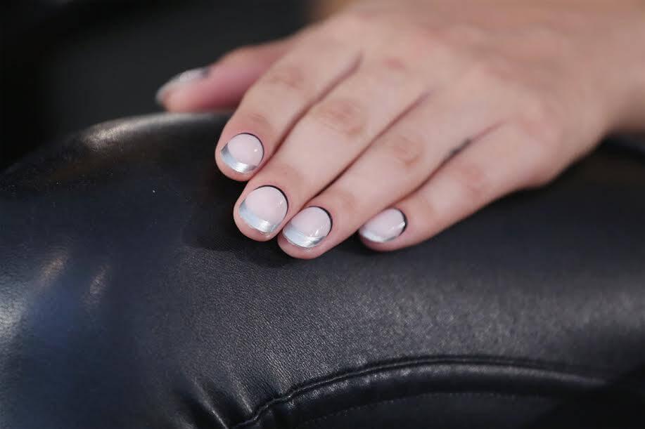 unghie colorate semipermanente