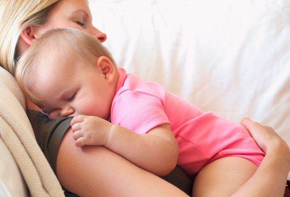 alto contatto bambini genitori