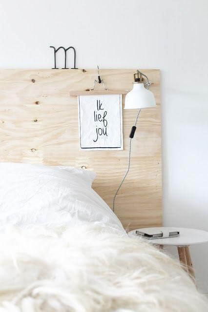Letto rialzato fai da te idee creative di interni e mobili for Decorare la camera matrimoniale