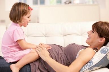 Babywearing portare fascia con il pancione