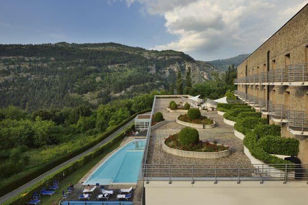 Hotel La Reserve_spa_abruzzo_Vista Piscina