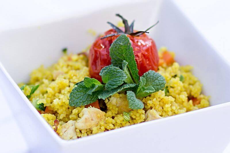 cous cous di verdure zucchine e mango