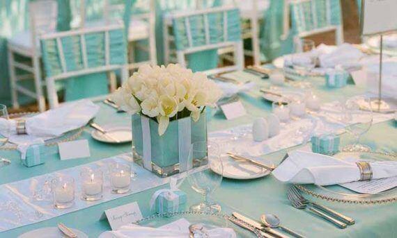 tavolo a tema colore tiffany