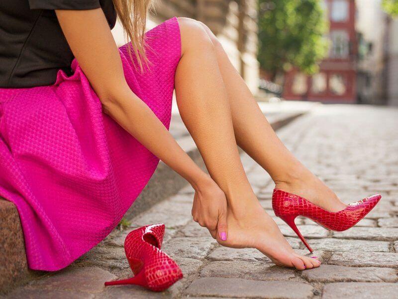 5 consigli gambe gonfie