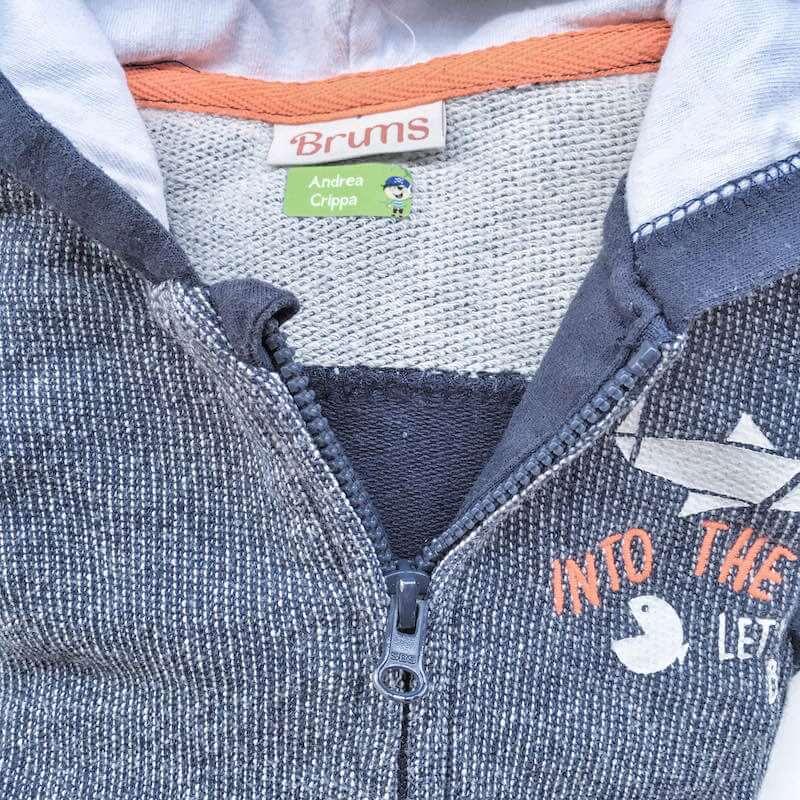 Etichette adesive vestiti