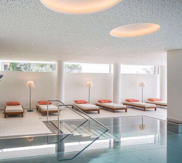 piscina-interno-hotel-5-stelle-jesolo