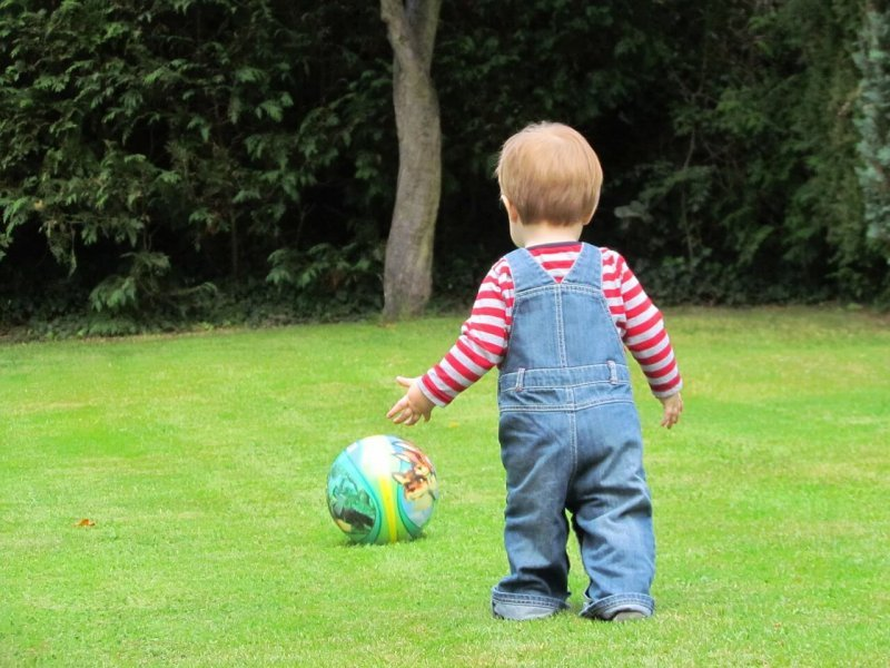 Giocare in giardino