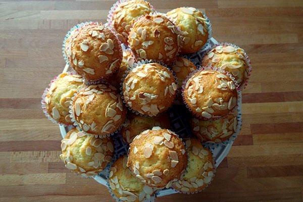 muffin alle mandorle vassoio