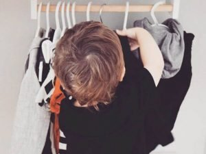 arredo-casa-montessori-cameretta-armadio