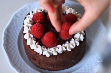 torta lamponi e cioccolato