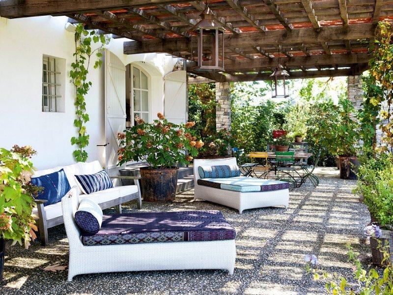 Una casa splendida come rinnovare gli esterni chizzocute for Stili di case esterni