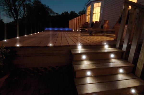 illuminazione-esterna-segna passi pavimentazione