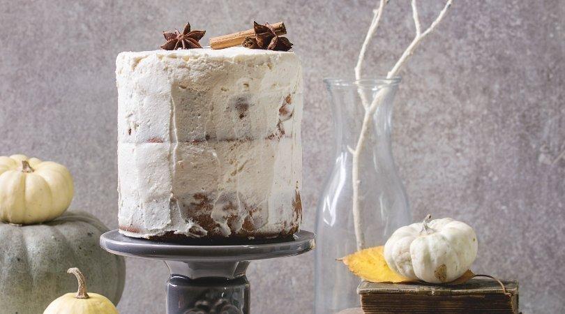 Naked cake al cioccolato con pandoro