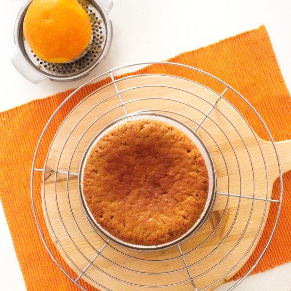 Torta al succo di arancia da guarnire