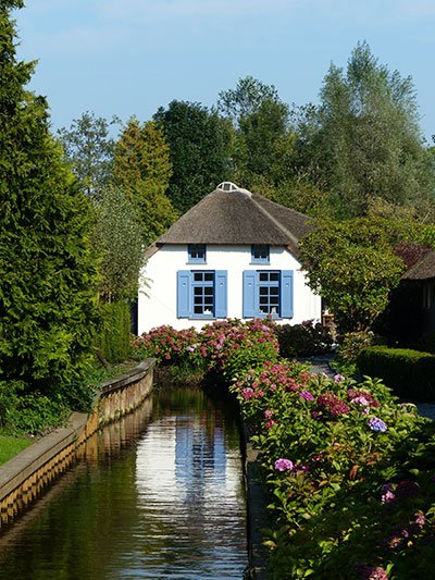 Giethoorn-paese-da-fiaba-casa-tradizionale