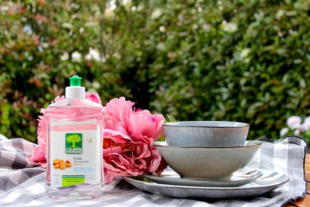 Prodotti naturali lavaggio piatti