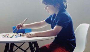 Montessori a casa gioco dei bottoni