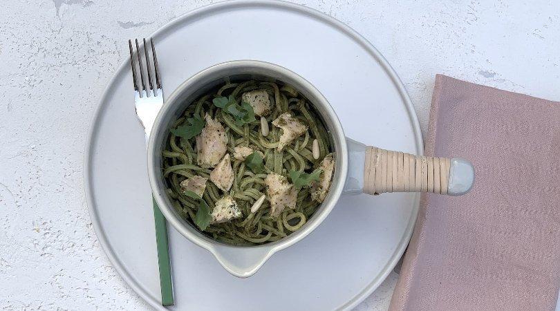Ricetta pasta salmone e pesto